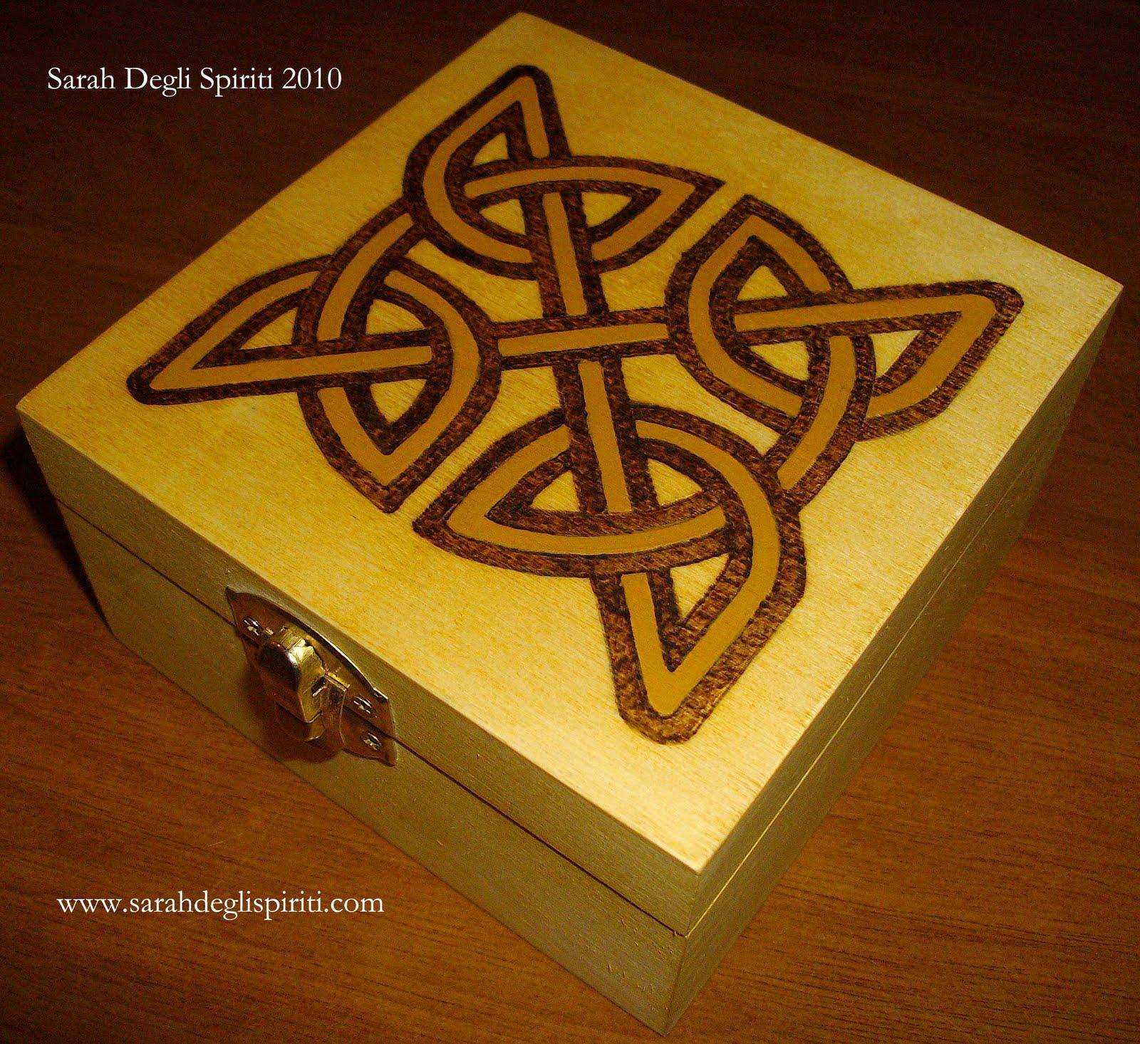 Scatola con nodi celtici n. 3